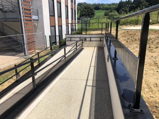 Neuville sur Saône – Réalisation des Accès pour les personnes à mobilité réduite – Hôpital Gériatrique de Neuville