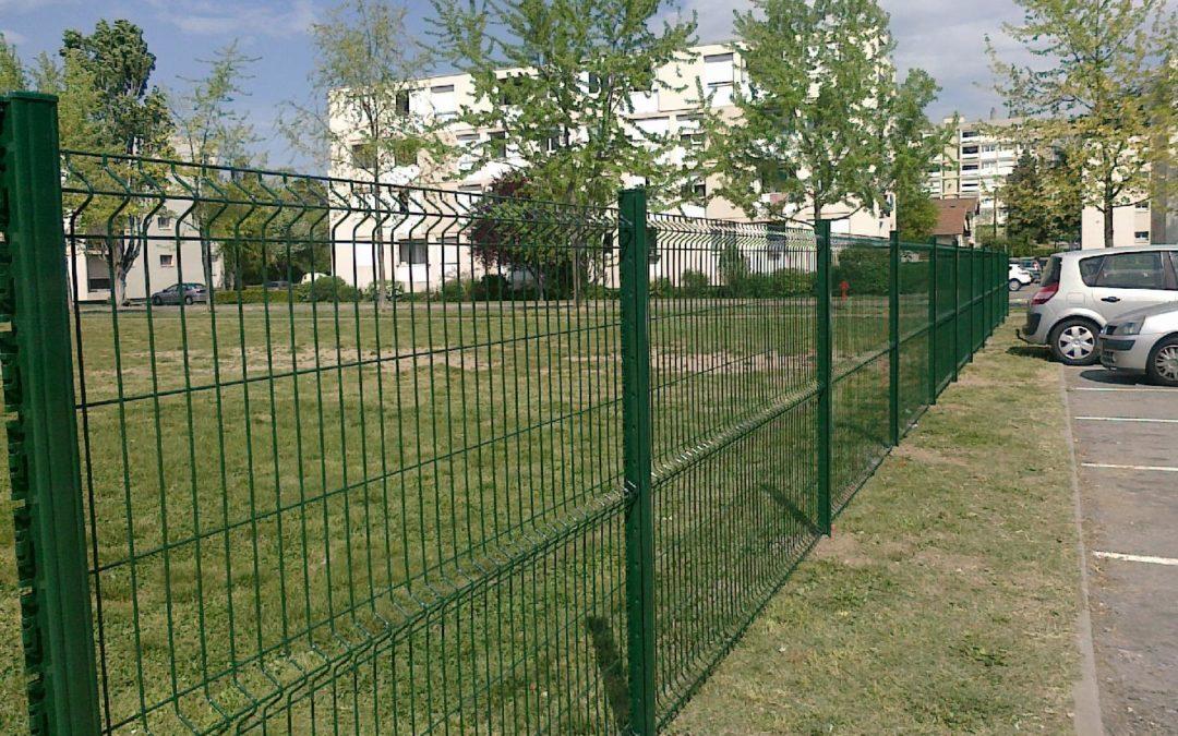 Installation d'une clôture à Grigny – Rhône – pour des logements sociaux