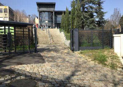 contrôle accès Oullins école citée Chabrière portail coulissant sur mesure