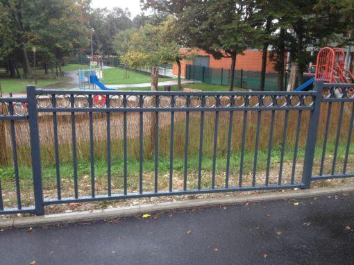 Ferney-Voltaire fabrication et pose d'une clôture de parc de jeux – Ain