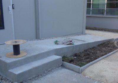 rampe d'accès en béton pour les personnes à mobilité réduite, Gaillard 01