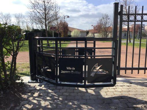 Contrôle d'accès : fabrication d'un passage sélectif parc de Jassans Riottier 01480
