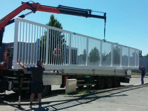 Portail industriel en acier à Reyrieux, pour la société Praticima